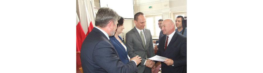 Powiat Krośnieński podpisał umowy na zadania w ramach Funduszu Dróg Samorządowych